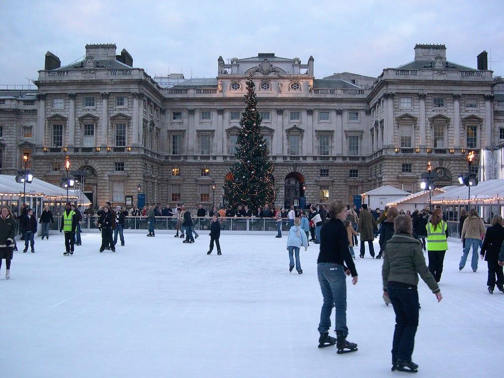 Patinaje sobre hielo en Nochevieja en Londres