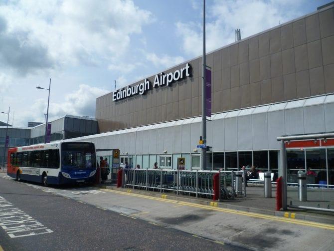 Vuelos de Londres a Edimburgo en aeropuerto