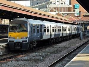Ir con el tren Greater Anglia desde el aeropuerto Southend de Londres