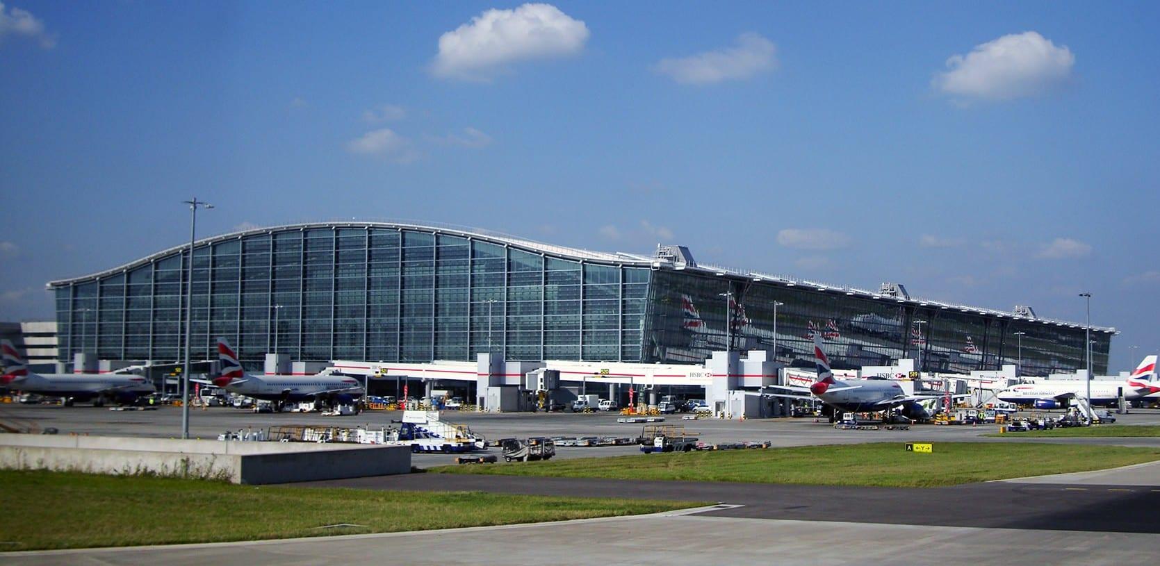 Viajar desde la terminal de Heathrow para ir al centro de Londres y llegar a la ciudad