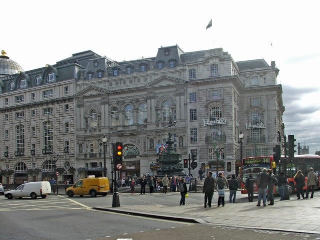 River Island y más tiendas en Londres