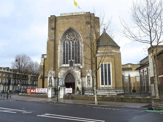 Ir a misas iglesias católicas en inglés en Londres
