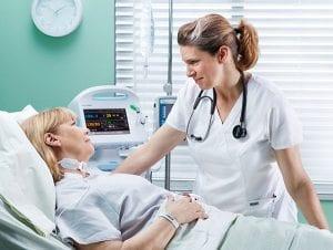 Salario por trabajar de enfermero en Inglaterra UK