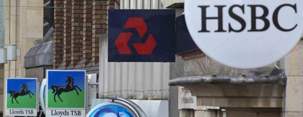 En Inglaterra existen una gran variedad de bancos disponibles para abrir una cuenta.