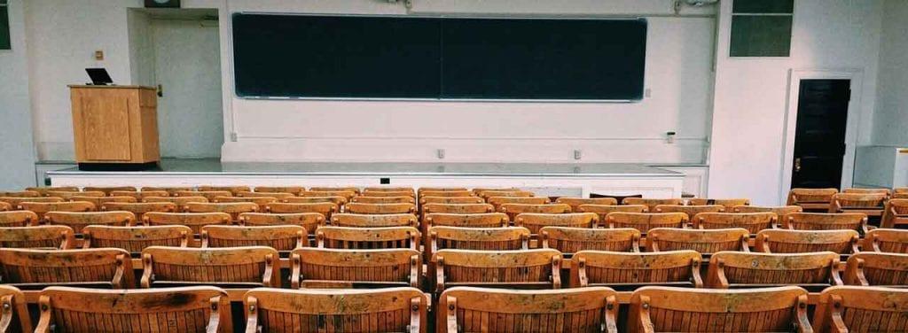 El TOEFL se hace en centros académicos de formación superior.