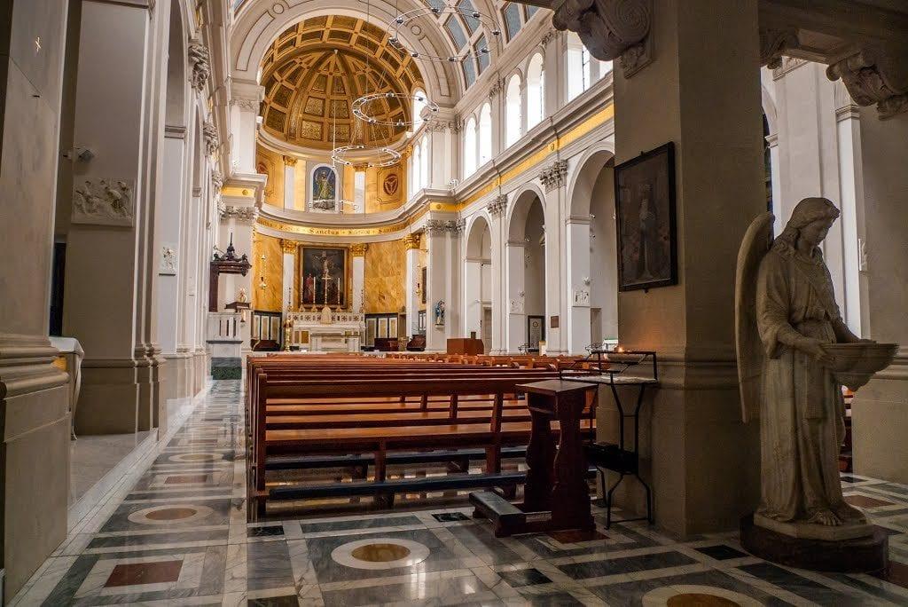 St Patrick buscar parroquia para ir a misa por westminster