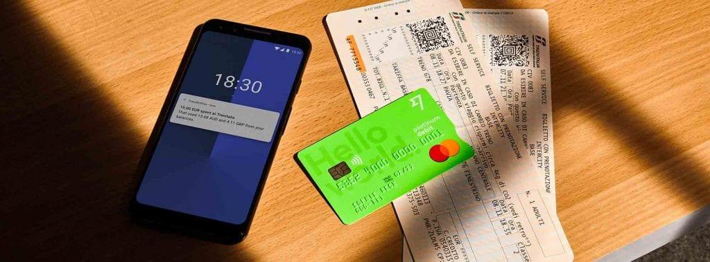La mejor solución para pagar en tus viajes con múltiples divisas, es utilizar Transferwise y su tarjeta borderless