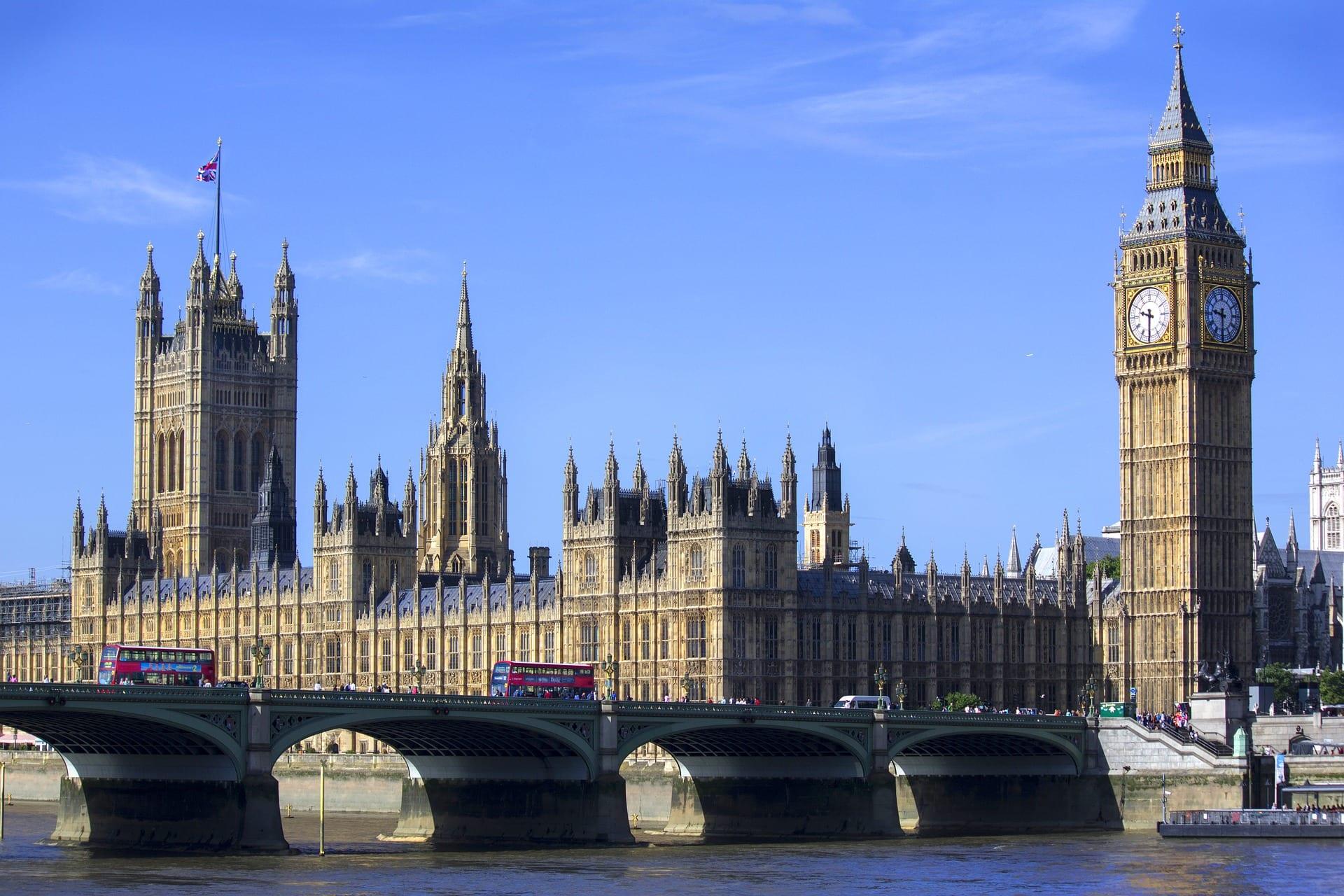 Cámara de los Comunes en el Palacio de Westminster
