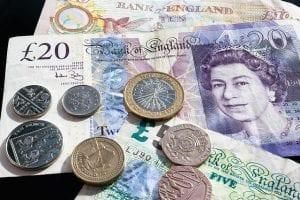 Dinero para vivir y trabajar en UK