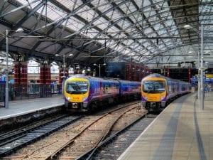 Ir de Manchester a Liverpool, la ciudad de The Beatles, en transporte público
