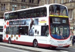 Ir del aeropuerto de Edimburgo al centro de la ciudad en transporte público