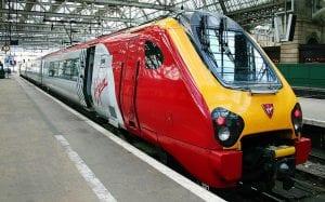 Ir de Londres a Birmingham en tren o en vuelos