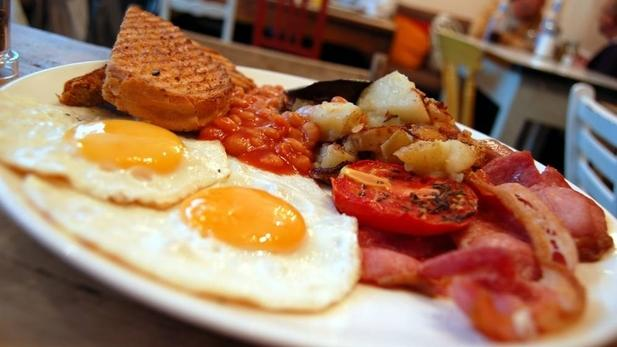 Desayunar el full enflish breakfast