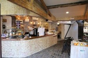 Desayunar en una cafetería de Londres
