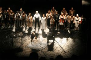 Elenco de Los Miserables en el teatro Queen's Theatre