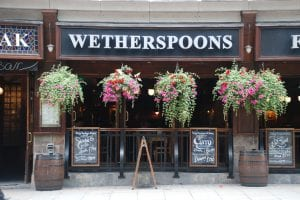 Desayunar en un Wetherspoons de Londres
