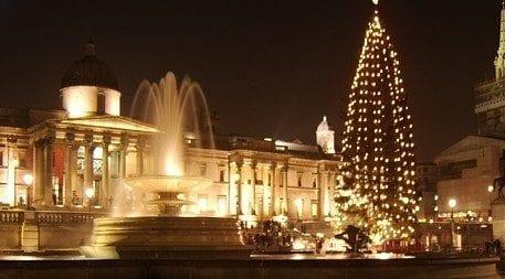 árbol y luces de navidad en Londres