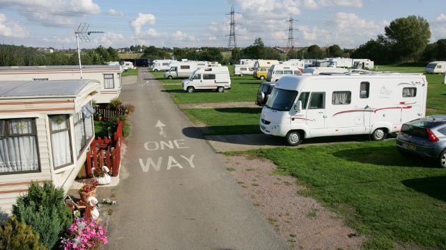 acampar en Londres: Caravanas