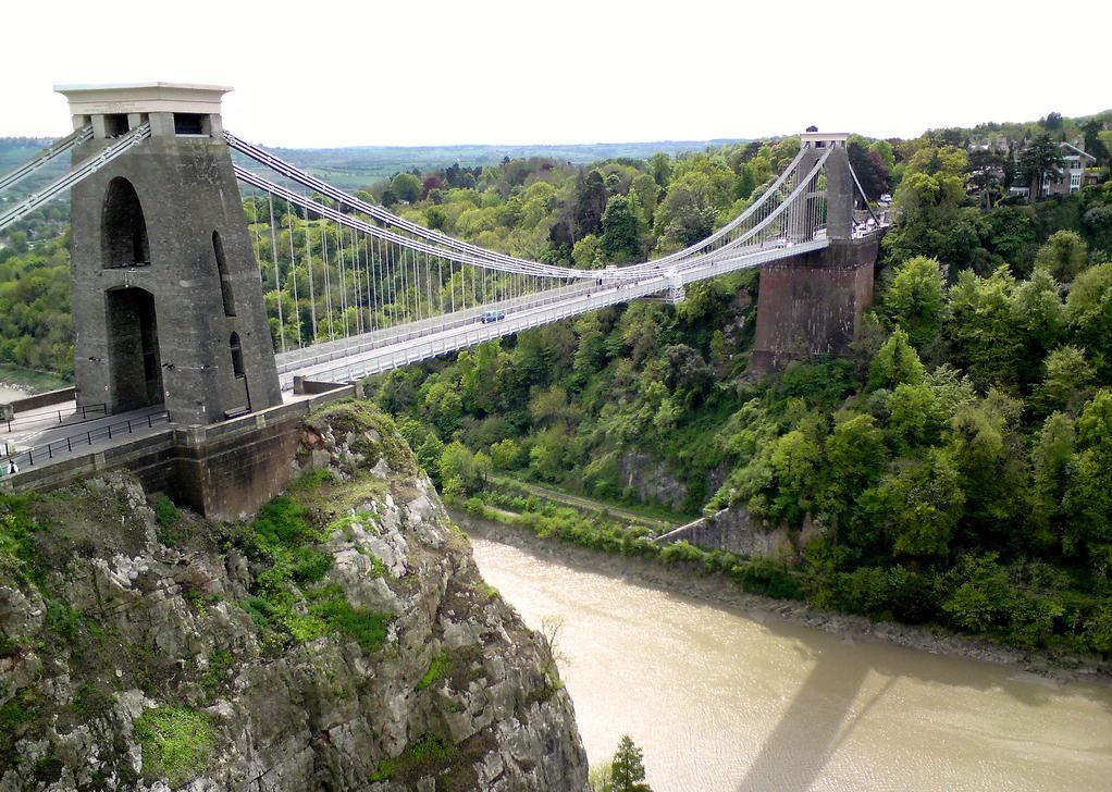 Vivir, estudiar inglés y buscar trabajo los habitantes españoles en Bristol: Puente colgante Bristol estudiar en inglaterra