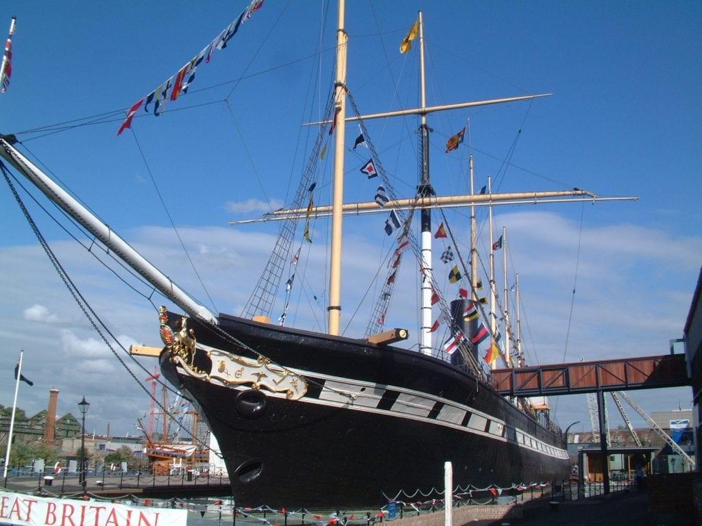 Vivir y buscar trabajo en Bristol: SS Great Britain Bristol hablar inglés con los habitantes de bristol inglaterra