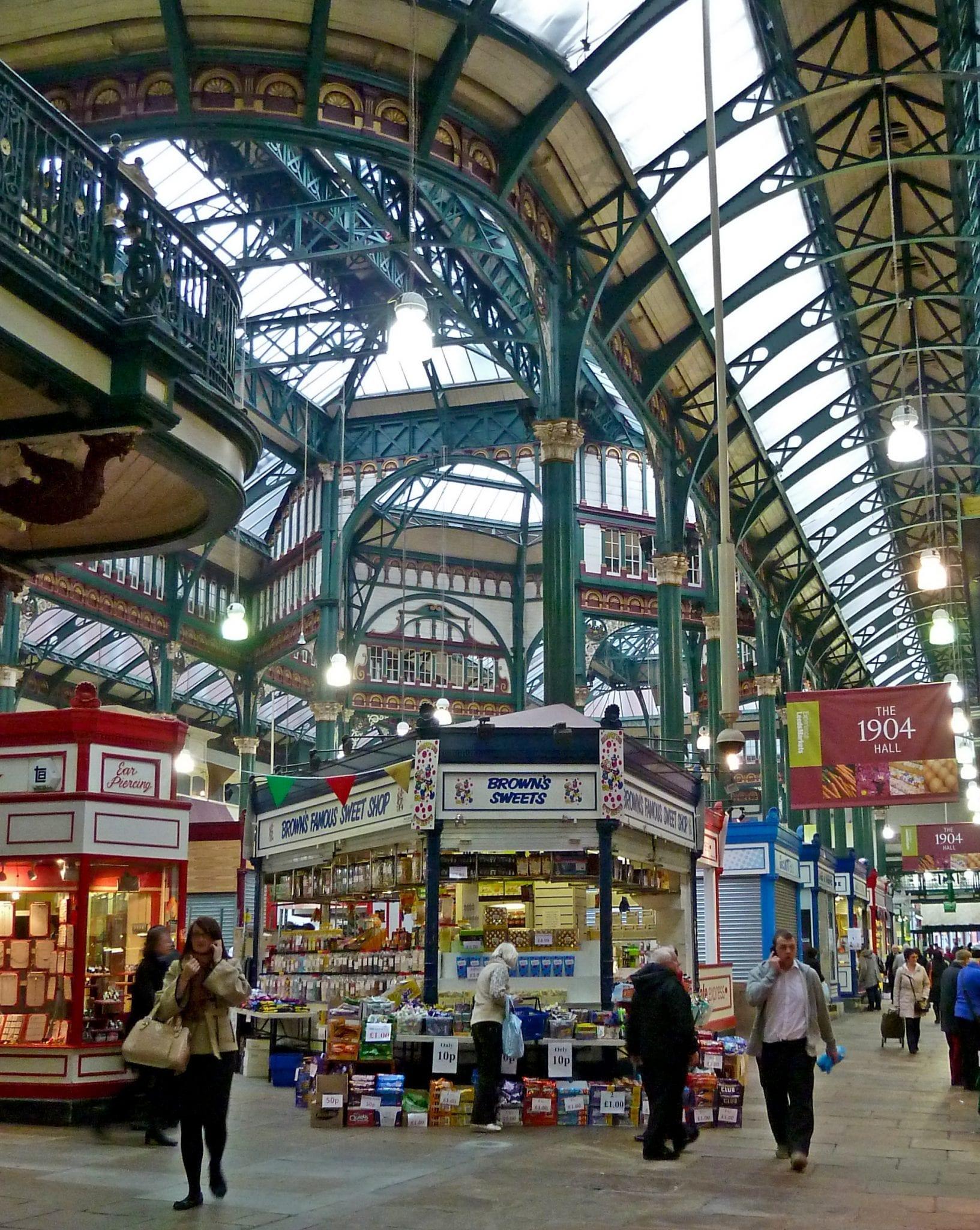 Gran oferta de todo tipo para vivir, trabajar y estudiar en la ciudad de Leeds, Inglaterra y conocer su población