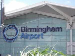 Birmingham International Airport vienen estudiantes a la universidad