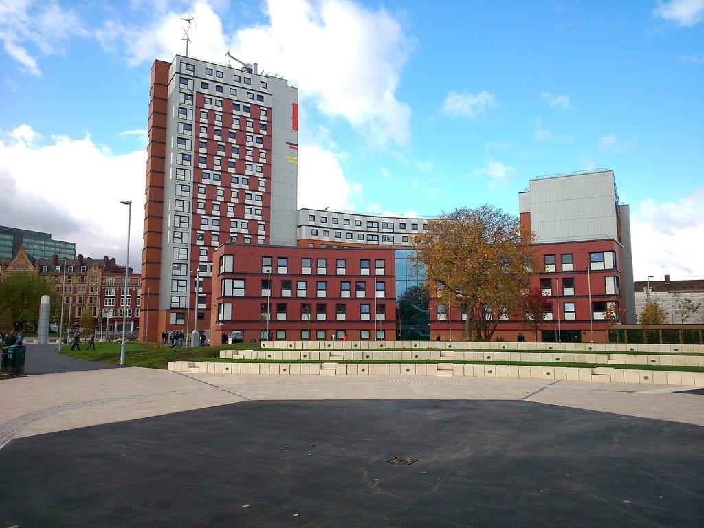 Habitantes y trabajo en Birmingham: Aston University Universidad de Birmingham