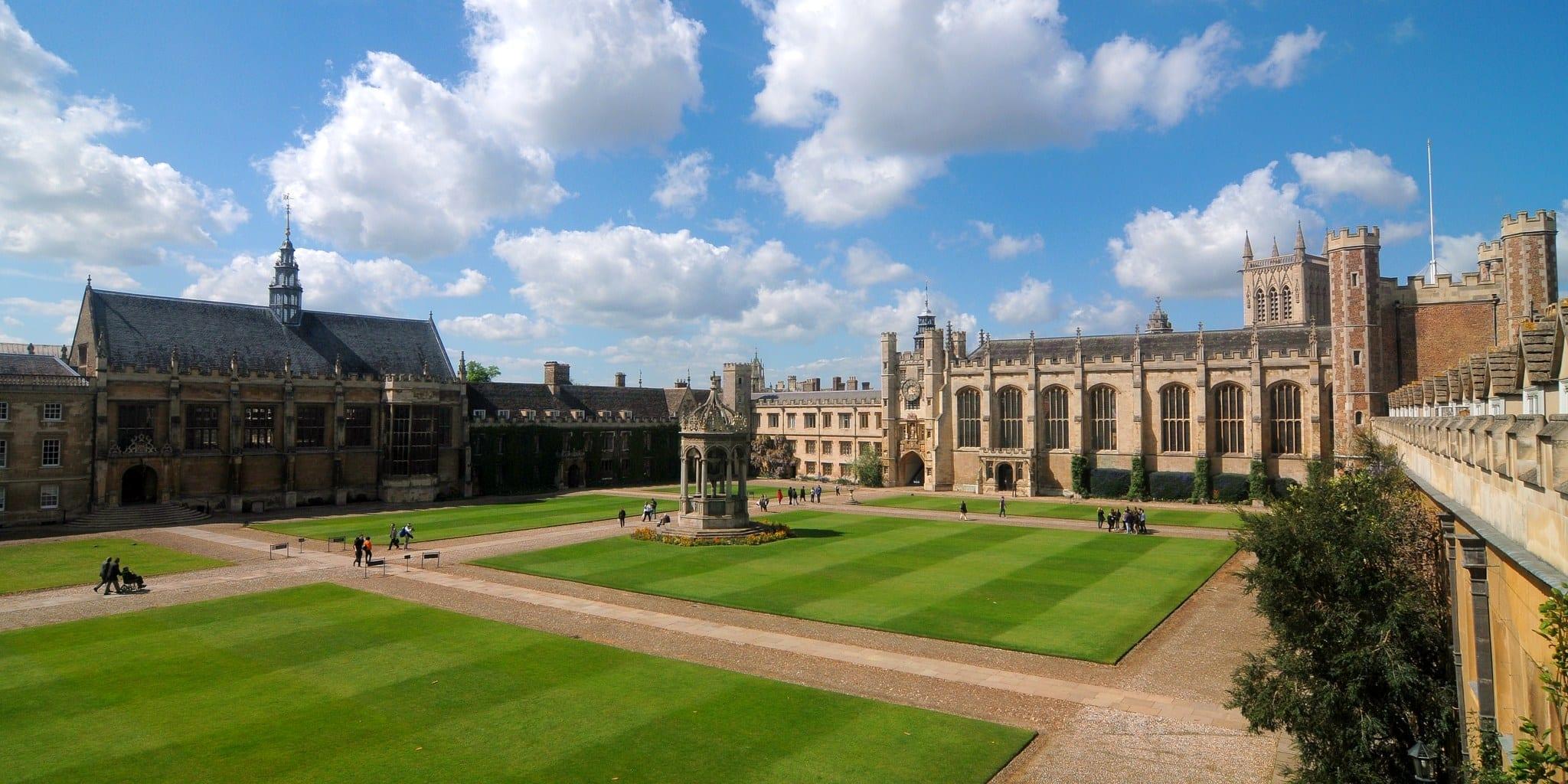 Trinity College Cambridge españoles viven, trabajan y estudian en Cambridge reino unido