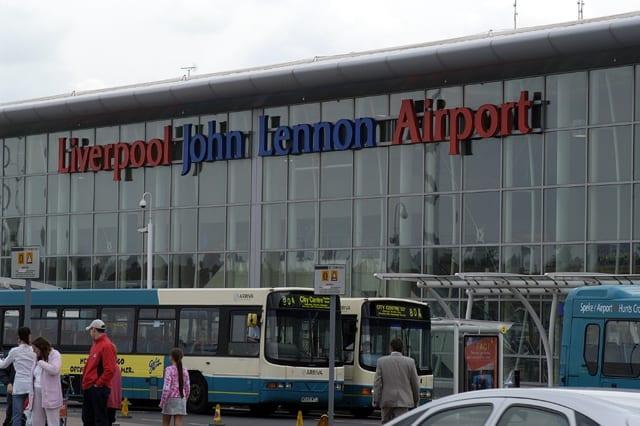 ventajas de Vivir y buscar Trabajo en Liverpool: Liverpool John Lennon estudiar en la ciudad de UK y moverse