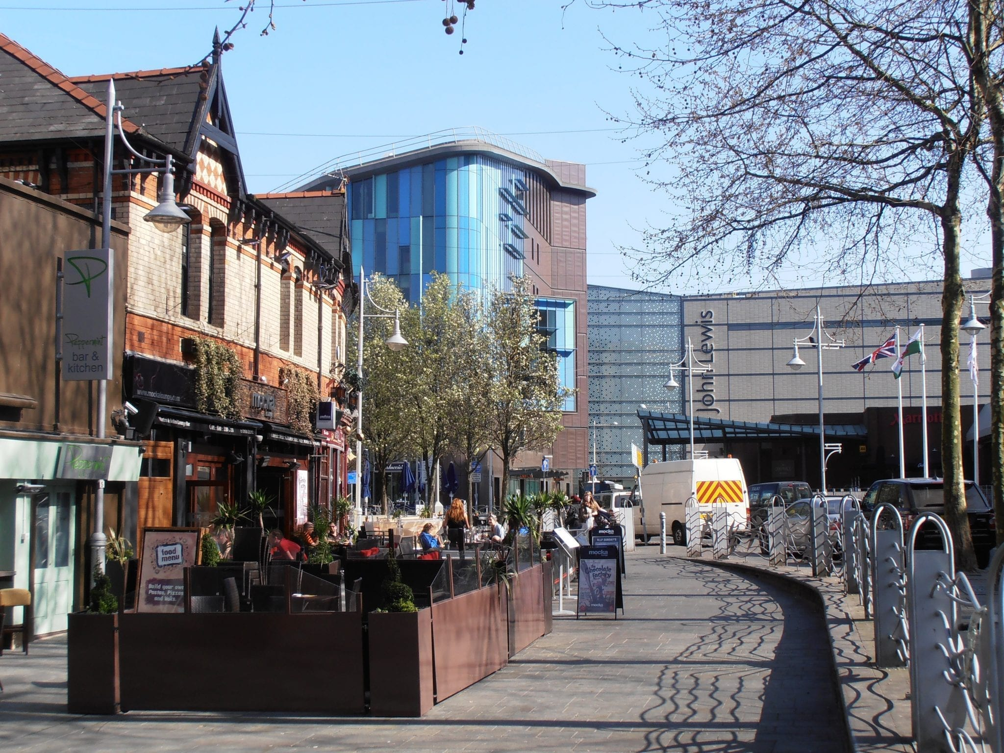 Mill Lane Cardiff una ciudad de Gales. busca ofertas de alojamiento y empleo en cardiff