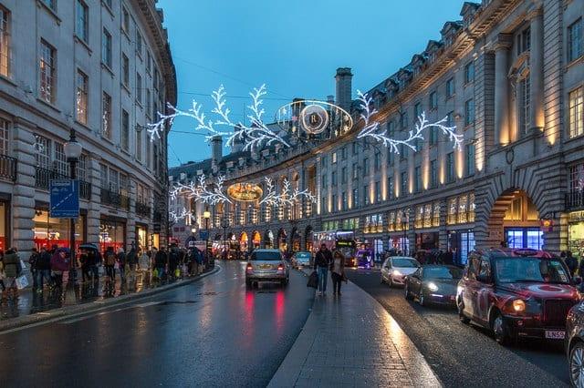 Comprar en Hamleys en Regent Street y en Carnaby