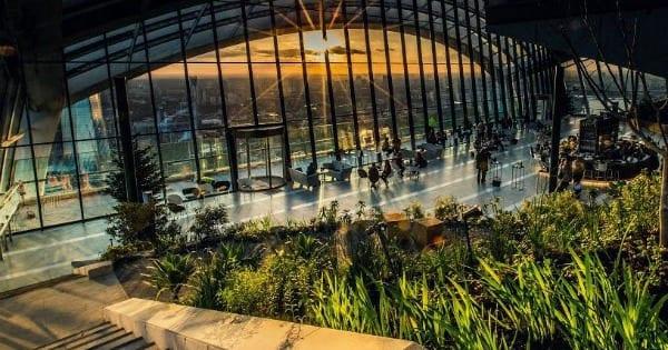 Entrada al rascacielos Sky Garden