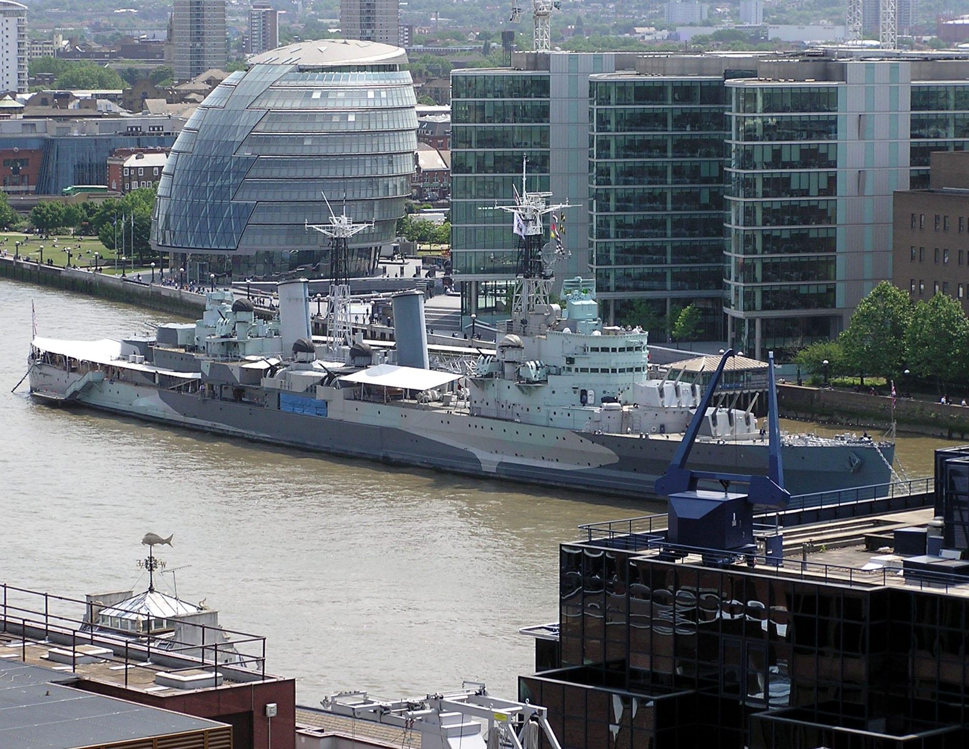 HMS Belfast en el Río Támesis