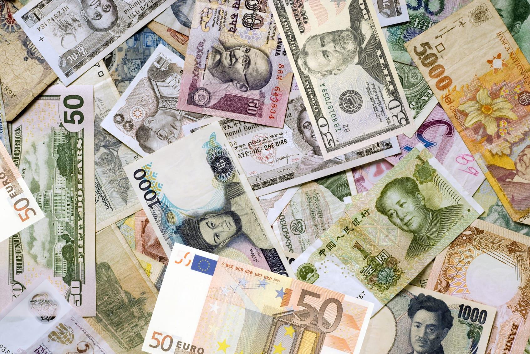 dinero de varios paises en ingles