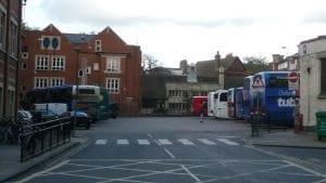 Muchos jóvenes y habitantes españoles acuden a la universidad de Oxford, una ciudad del Reino Unido