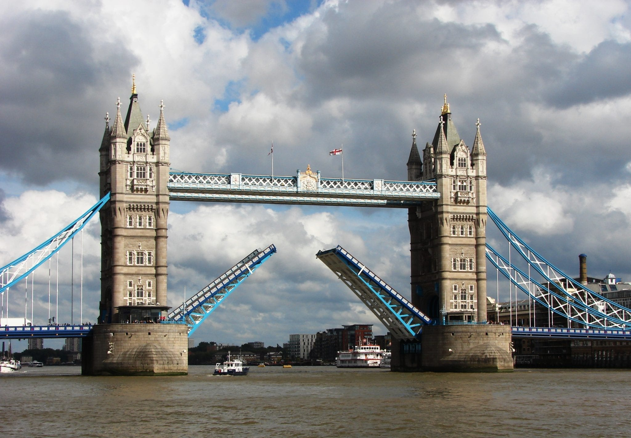 Tower Bridge en el Londres victoriano