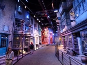 tren y autobús para ir a Harry Potter Studios