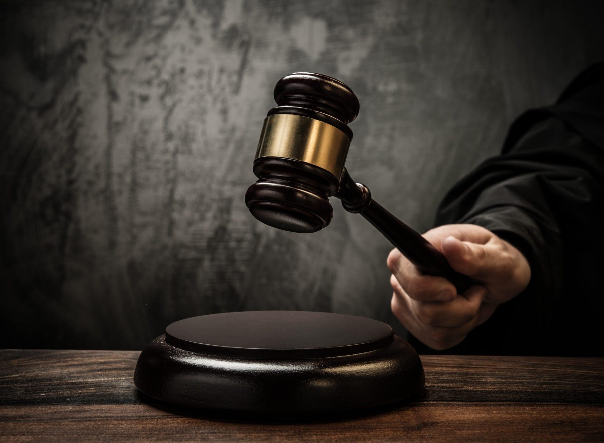 vocabulario crímenes y justicia en inglés