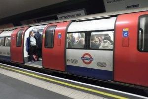 Color de las líneas en el mapa del metro de Londres
