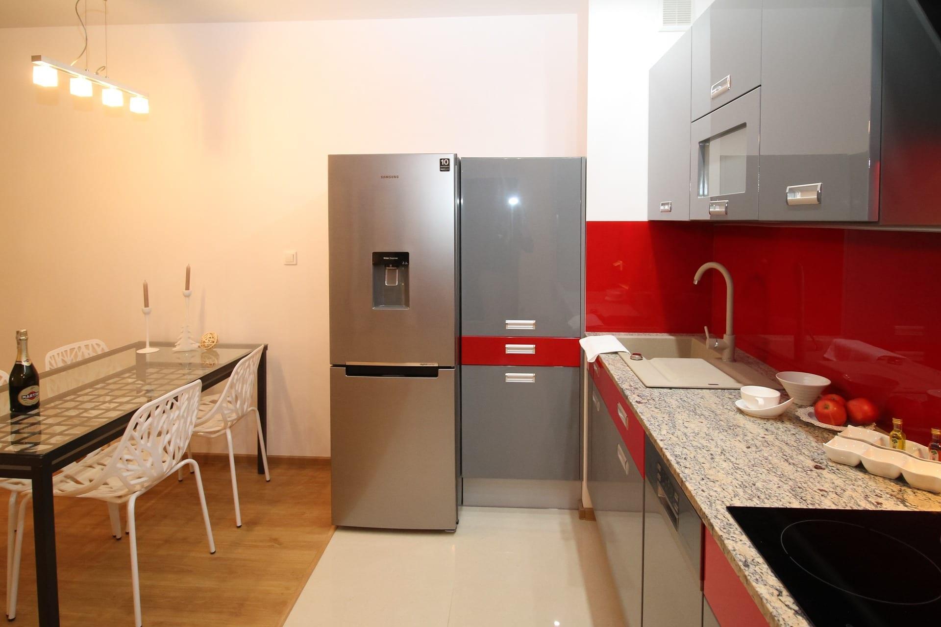 Cocina de un apartamento alojamiento en londres en donde dormir o alojarse