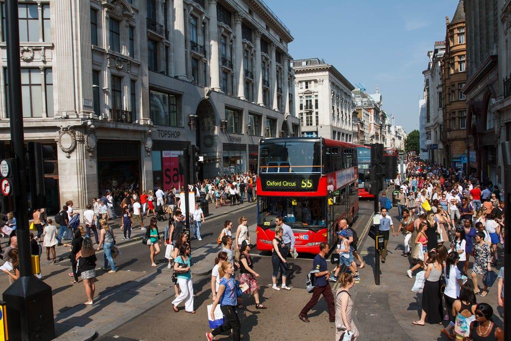 Compras y rebajas en Oxford St en el Boxing Day