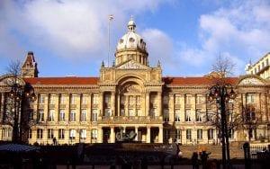Españoles que necesitan ayudas al emigrar a la ciudad de Birmingham en Reino Unido