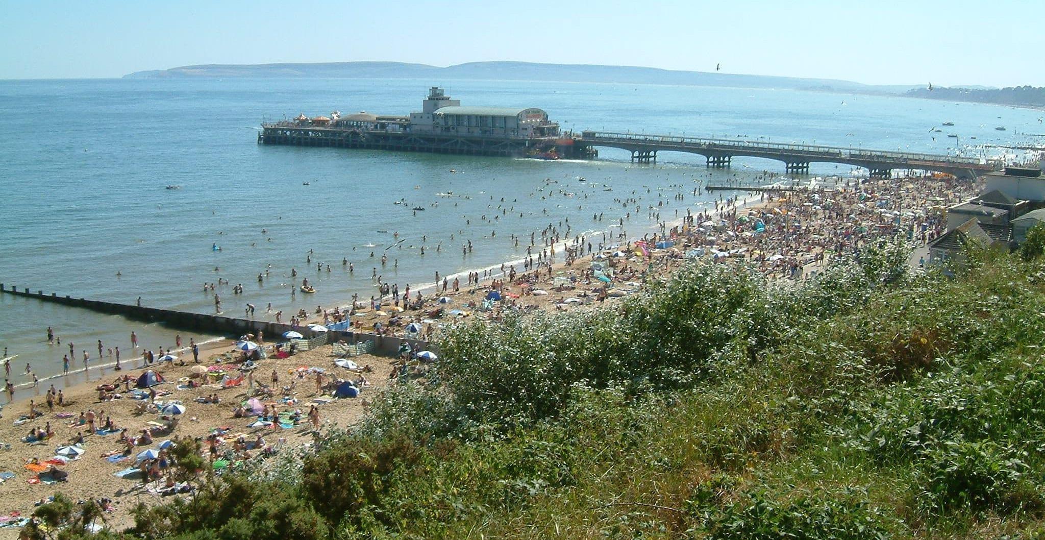 Vivir y buscar trabajo para españoles en Bournemouth