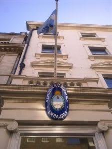 Hacer trámites como el pasaporte en el Consulado o Embajada de Argentina en Londres para argentinos vivir