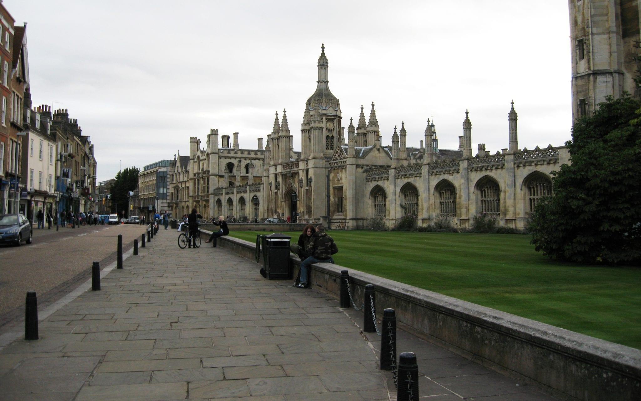 Población de españoles en el mundo: Tasa de paro para españoles de Cambridge