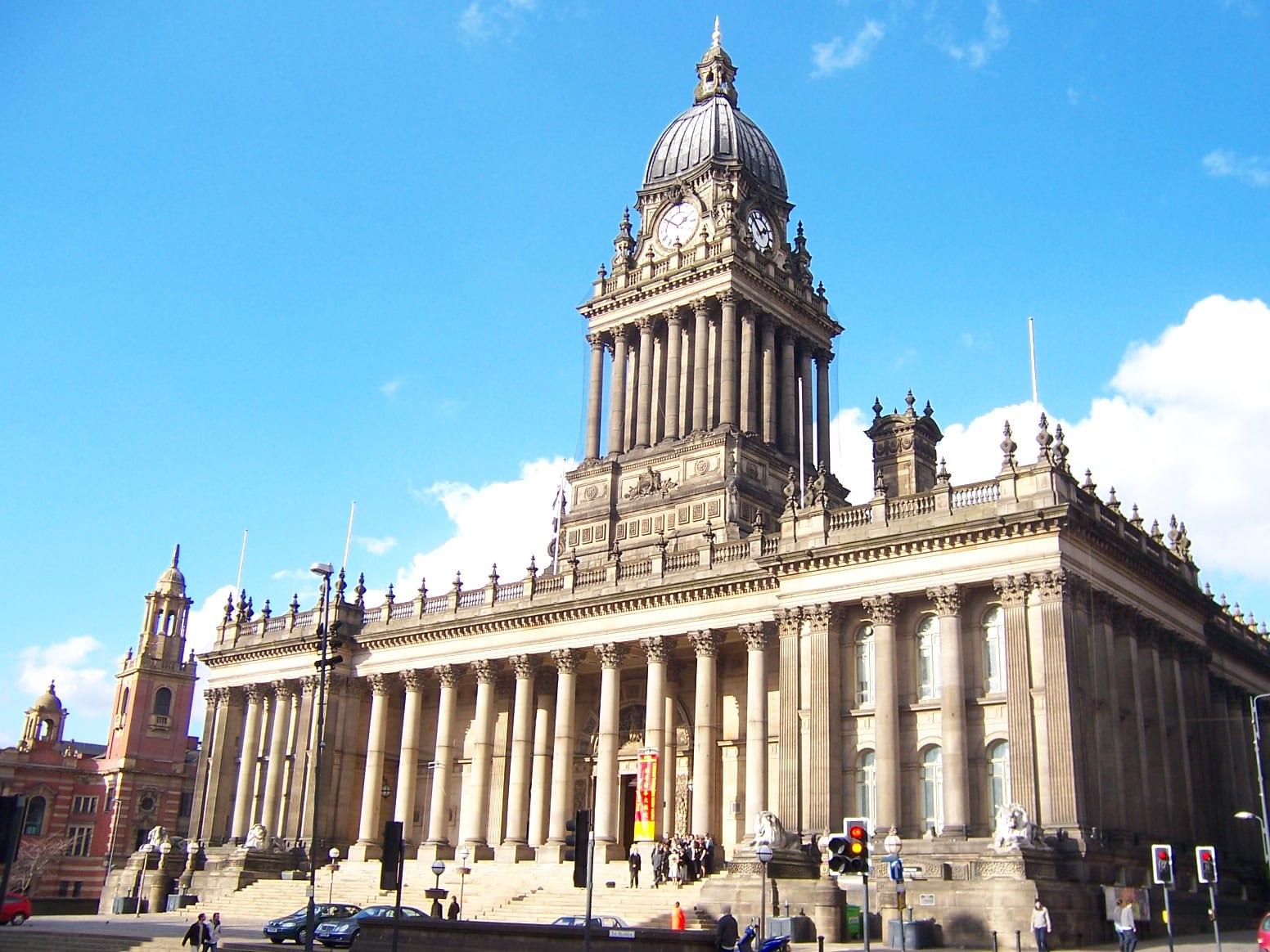 Españoles que se mudan a vivir a Leeds para buscar trabajo o estudiar inglés en intituciones españolas