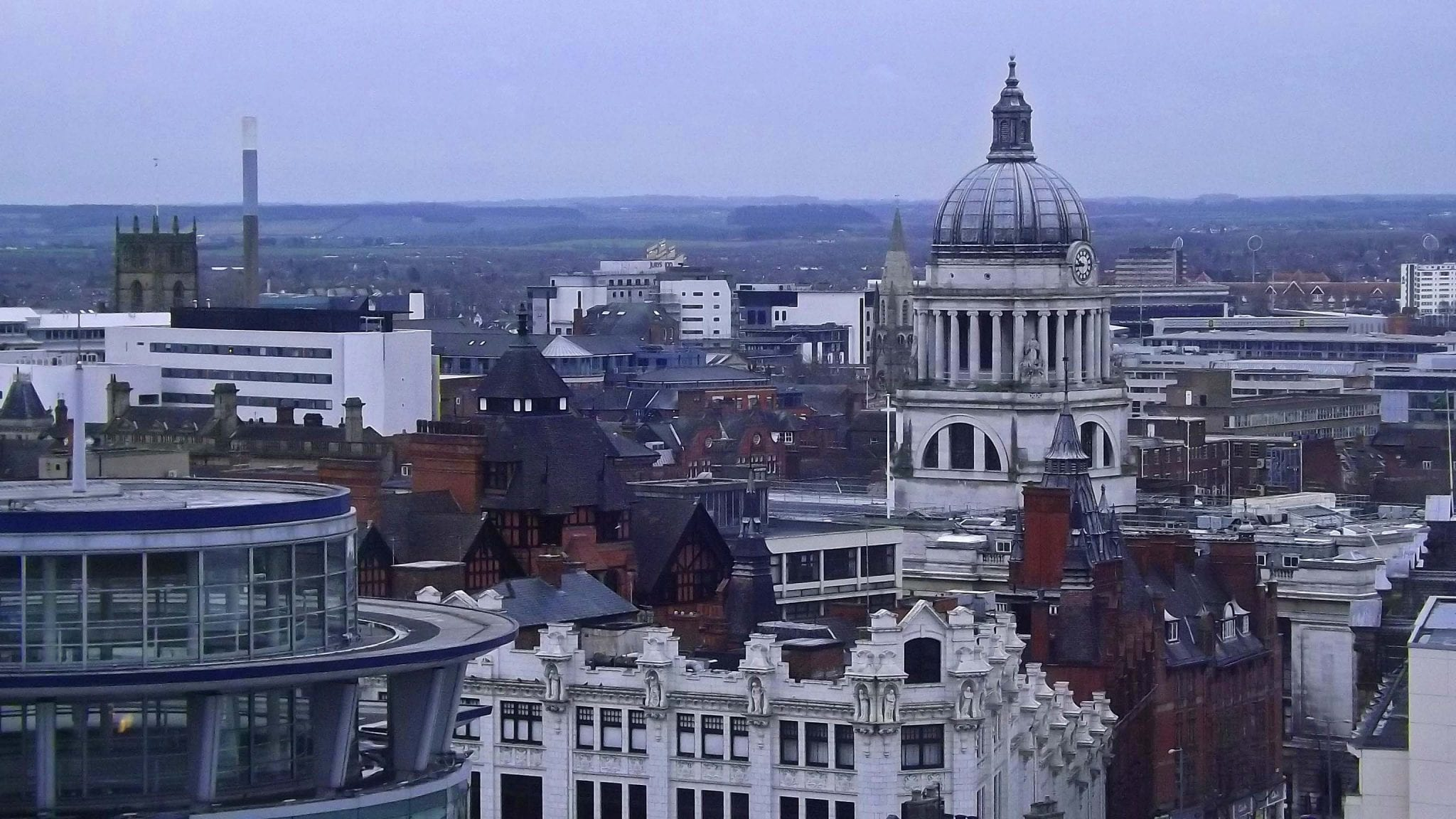 Españoles en una ciudad con tasa de paro media, Nottingham