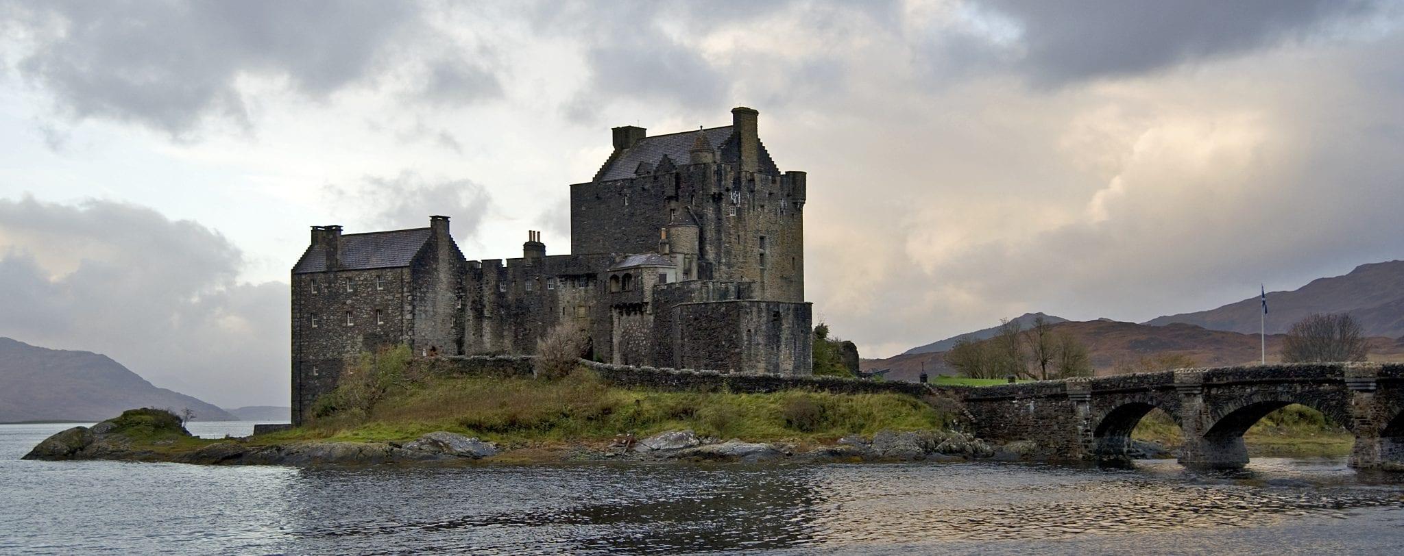 Vivir o emigrar a Escocia: Consulado en Edimburgo, Escocia