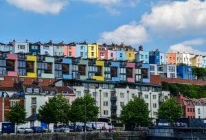 Población de españoles que deciden emigrar a Bristol-Reino Unido, para aprender inglés