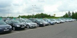 Precio y compañías para alquilar un coche en Edimburgo